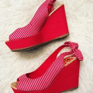 Rocket Dog red & white striped wedges 🍒